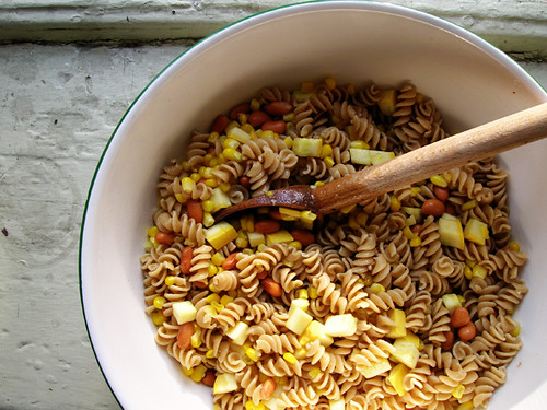 pasta salad with pinto beans, summer squash and corn