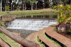 Barragem do Lago Igap II (Vinicius_Ldna) Tags: lake gua canon landscape lago paisagem barragem vinicius londrina igapo watter t3i ldna cidadesbrasileiras