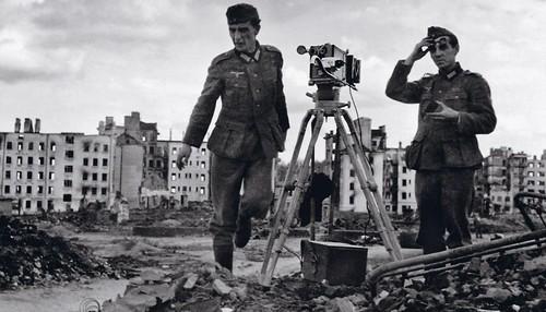Fotografía en medio de la destrucción