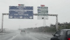2010-08-15 highway Auxerre to Parijs 58 (ellapronkraft.) Tags: france highway hardrain auxerreparijs