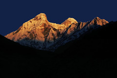 The colours of the Dawn !! (Lopamudra!) Tags: india mountain color colour beauty sunrise landscape dawn peak glacier nanda himalaya morn nandadevi kumaon lopamudra kumaun platinumheartaward pachhu