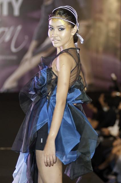 Creativity In Motion fashion show 2011-ho 22-07-2011 (526).JPG