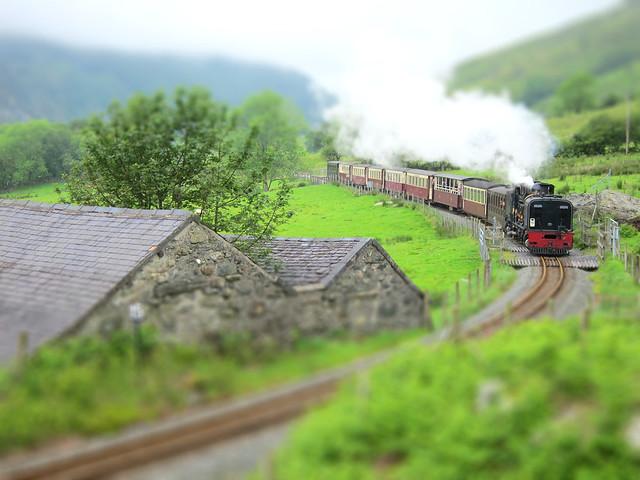 Snowdon train (tiltshifted)
