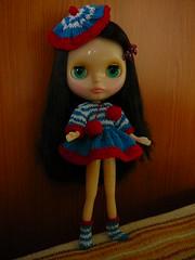 Fátima posando con su primer vestido - Blythe Nostalgic Pop