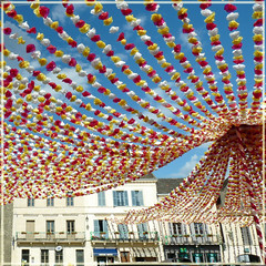 The streamers above the market of Beaumont - Dordogne - France (Cajaflez) Tags: france village market dordogne frankrijk streamers markt dorp beaumont perigord slingers topshots 100commentgroup saariysqualitypictures mygearandme mygearandmepremium mygearandmebronze mygearandmesilver mygearandmegold mygearandmeplatinum