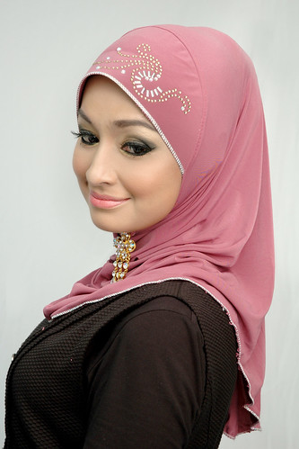 DC02 - Hijab Chinta SIZE L RM35 by dania-collections