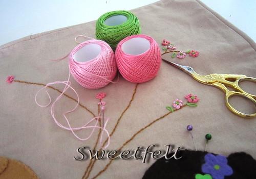 Agulha, linha e tesoura as minhas 3 amigas diárias... by sweetfelt \ ideias em feltro