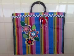 Sacola de feira (Leila Corrêa Artesanato) Tags: botão feltro nylon fita sacola