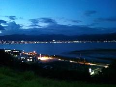 夜の諏訪湖の写真