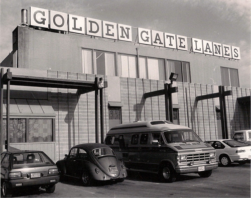 Golden Gate Lanes in El Cerrito, 1989. West County Times staff photo by Herman Bustamante Jr.