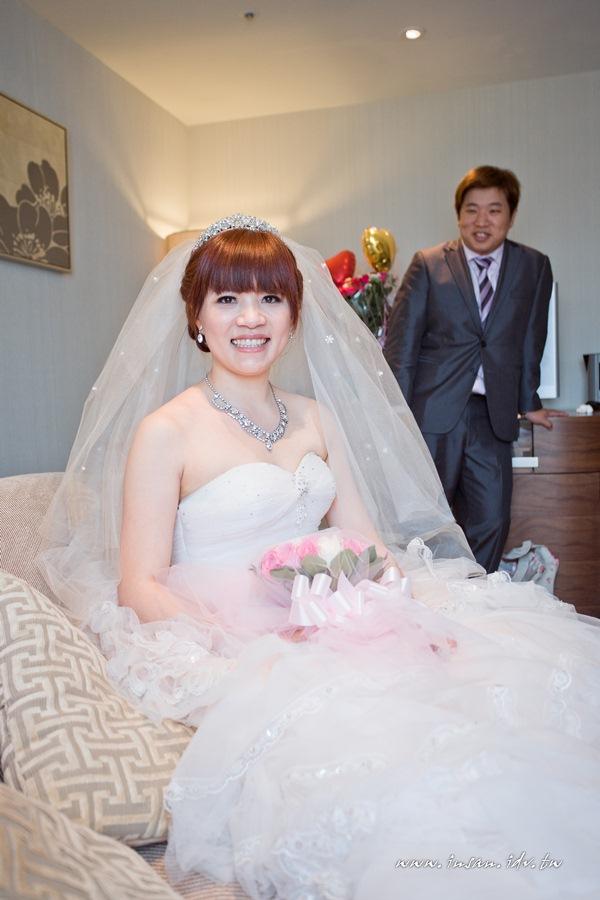 wed110619_643