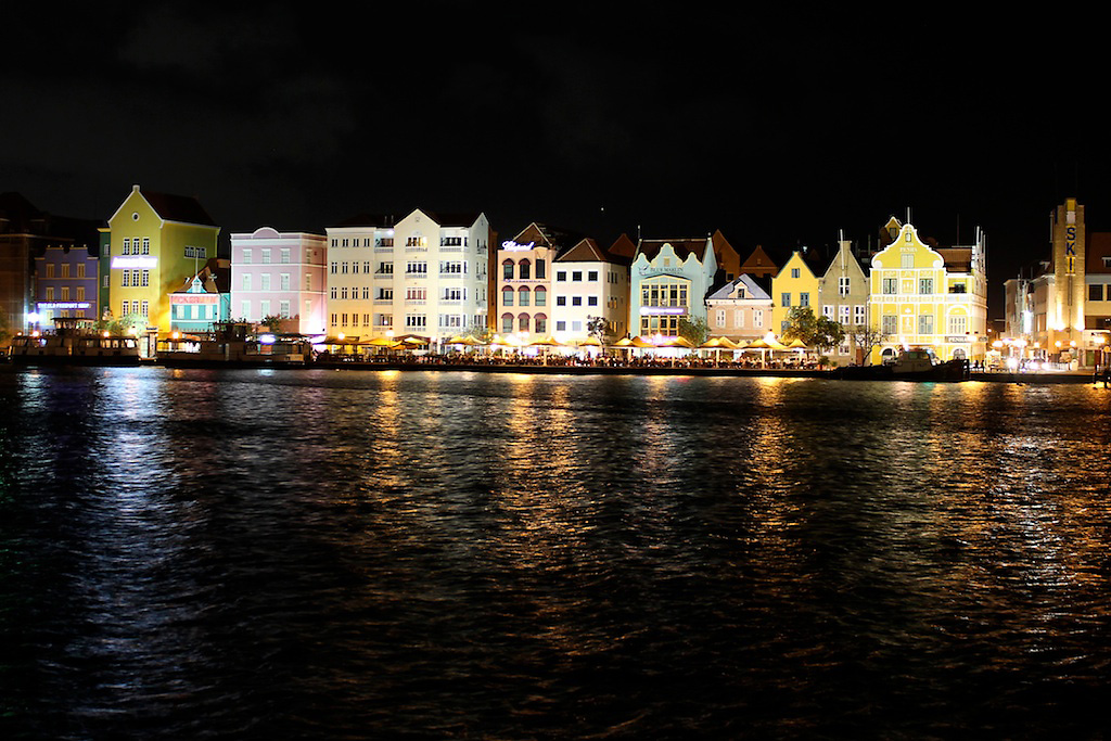 Willemstad by Night by Ivo Jansch, on Flickr