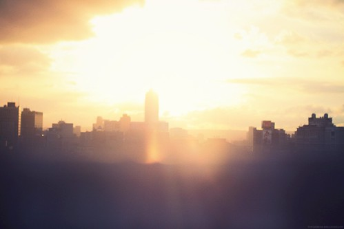 [フリー画像] 建築・建造物, 都市・街・村, 夕日・夕焼け・日没, 台湾, 201106291900