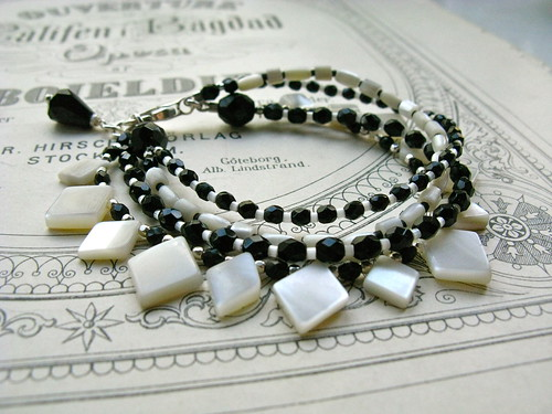 Trixie 4-string bracelet
