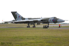 G-VLCN - AVRO 698 VULCAN B2 - 110702 - Waddington - Alan Gray - IMG_0324