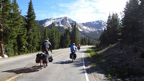 2011.07_bike touring independence pass_en route