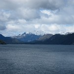 "Lago Nahuel Huapi <a style=""margin-left:10px; font-size:0.8em;"" href=""http://www.flickr.com/photos/14315427@N00/6215296705/"" target=""_blank"">@flickr</a>"