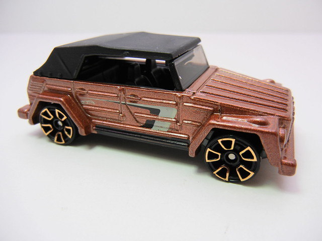 hot wheels volkswagen type 181 bronze (2)