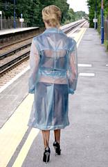 Railway Station (mallorcarain) Tags: fetish nice boots vinyl streetshots raincoat pvc bottes fakes stiefel raincape regenmantel ciré lackmantel imperméables