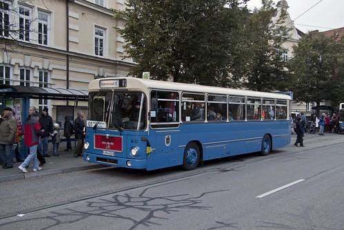 Der historische MAN-Bus am Max-Weber-Platz