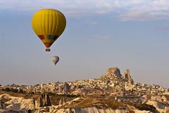 Balloons over Uchisar (doveoggi) Tags: turkey balloons cappadocia goreme 0615