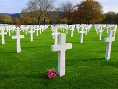 All Souls' Day (mujepa) Tags: france cemetery war cross military tomb kreuz american memory soldiers guerre lorraine cimetiere militaire croix croce allsaintsday toussaint amricain soldats allsoulsday saintavold ftedesmorts lorraineamericancemetery blinkagain rememberthatmomentlevel1