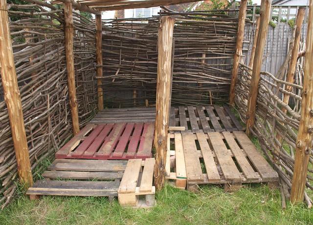 DSC_8379 Firewood shelter