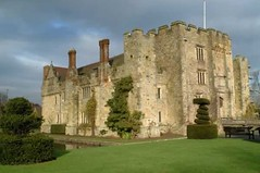 "Hever Castle • <a style=""font-size:0.8em;"" href=""http://www.flickr.com/photos/59278968@N07/6326181948/"" target=""_blank"">View on Flickr</a>"