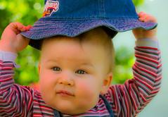 Vito Portrait (Carlos Castellaro) Tags: portrait color retrato colores ojos sombrero vito saturacion