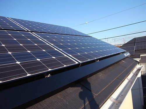 太陽光発電パネル付けました