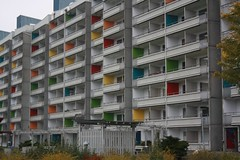 "Student housing (Studentlägenheter), Kinesiska muren, Rosengård, Malmö, Sweden (Sverige) • <a style=""font-size:0.8em;"" href=""http://www.flickr.com/photos/23564737@N07/6390468619/"" target=""_blank"">View on Flickr</a>"