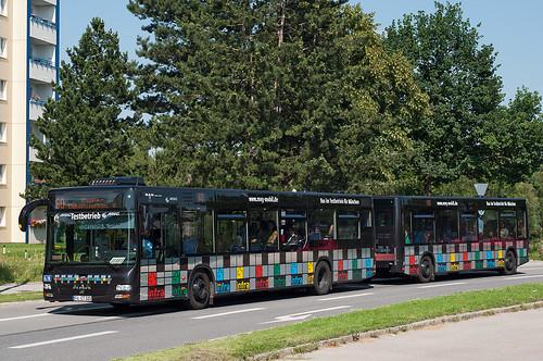 Die alte Tram-Wendeschleife »Hasenbergl« lässt der Bus links liegen
