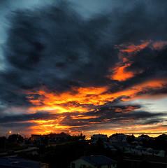Sunrise over Timaru (Steve Taylor (Photography)) Tags: newzealand cloud sunrise dawn canterbury nz redsky timaru hdr sunup daybreak