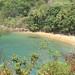 Praias escondidas no verde da vegetação