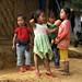 O Laos é recheado de crianças