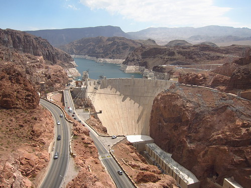 image of the free to cross over Hoover Dam
