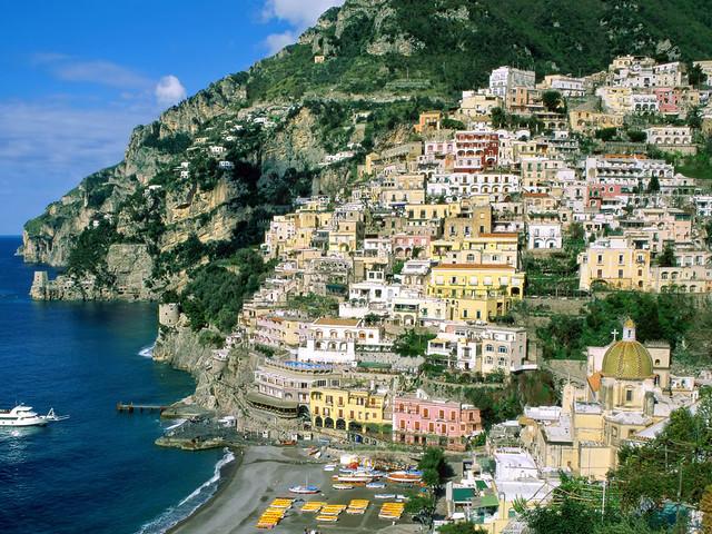 Amalfi_Coast,_Campania,_Italy