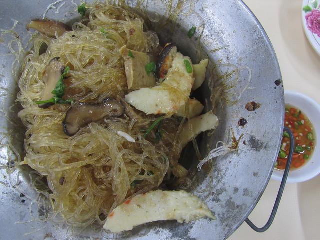 goong op woon sen (baked mung bean noodles กุ้งอบวุ้นเส้น)