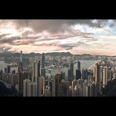 (jim_213) Tags: city sunset sky cloud buildings hongkong sigma peak dp2