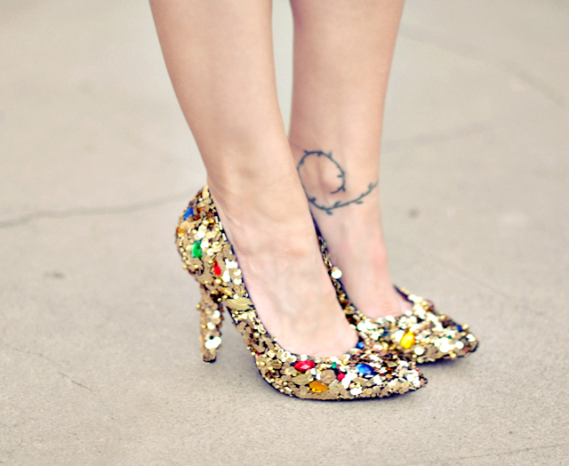 698658f084a92 Dolce   Gabbana - Embellished shoes diy + gold sequins and gem dolce and  gabbana shoes