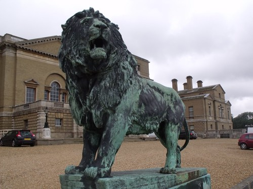 Holkham Hall - lion statue (male)