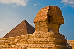Sphinx and Pyramid (Eddie Chui) Tags: nikon pyramid egypt d90 greatsphinxofgiza platinumheartaward eddiechui mygearandme mygearandmepremium mygearandmebronze mygearandmesilver mygearandmegold mygearandmeplatinum ringexcellence