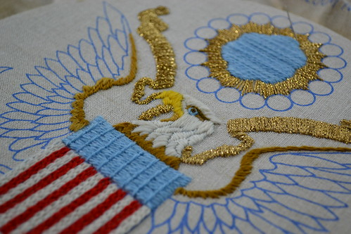 close up on the presidential seal