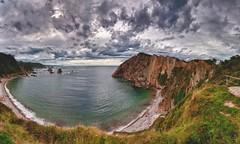Panorámica de la Playa del Silencio (Carlos Javier Pérez) Tags: asturias nubes hdr cudillero cantábrico playadelsilencio castañeras nikond90 tokina1116 gavieru
