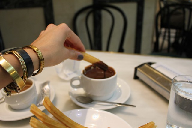churros con chocolate at chocolateria san gines