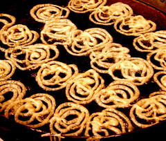 Jalebi (thati..) Tags: india interesting sweet circles chef curious jalebi halwai