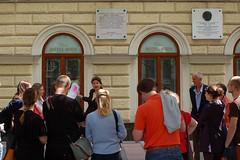 """Treffpunkt vor dem Geburtshaus • <a style=""""font-size:0.8em;"""" href=""""http://www.flickr.com/photos/39658218@N03/5925681393/"""" target=""""_blank"""">View on Flickr</a>"""