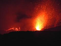 The Bocca Nuova's little secret (etnaboris) Tags: italy volcano italia crater sicily etna eruption sicilia vulcano cratere thegreatestshowonearth lavaflow 2011 eruzione colatalavica strombolianactivity boccanuova attivitstromboliana