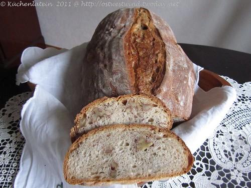Weizenmischbrot mit Roggensauerteig und Walnüssen (3)