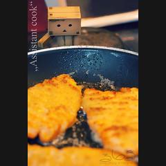 Assistant cook (Oliver Totzke) Tags: food kitchen 35mm toy nikon d2x cook days 365 nikkor f18 dx danbo revoltech danboard